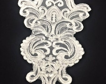 Vintage White Rorschach Embroidered Lace Applique