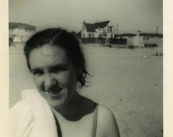 "Vintage Photo ""Wet Head"" Beach Girl Bathing Suit Snapshot Antique Photo Old Black & White Photograph Found Paper Ephemera Vernacular - 182"