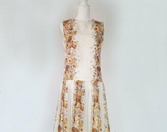 1960s Gray Cream Floral Shift Scooter Dress 60s Vintage Mod Jeanne Model Drop Waist Pleated Skirt Small Sundress Summer Garden Party Dress