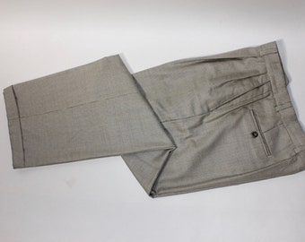 """newer vintage -Berle- Men's pleat front trousers.  Wool - 'Premiere Super 100's'. Micro Houndstooth on Ivory. 32"""" Waist"""