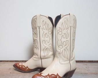 7 M | J. Chisholm Outlay Wingtip Cream & Brown Western Cowboy Boots