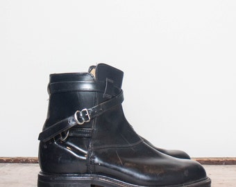 7 D | Vintage Men's Ankle Boots Wrap Around Strap and Buckle Moto Boots