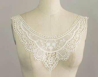 New Item! Ivory Lightweight Edwardian Lace Applique Collar / Vintage Style Collar / Delicate Lace Neckline