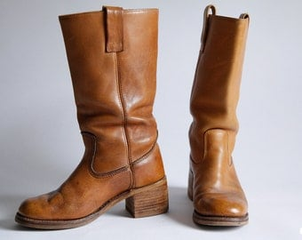 Vintage 70s Boho Distressed Caramel Leather Campus Boots size 8 1/2 - 9 Jaguar