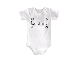 Born at home baby bodysuit. Newborn or 0-3 months. Pink gray black blue arrows Baby Infant. Home Birth Outfit Homebirth clothes