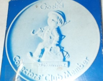Goebel Collector Club Member Plaque Goebel Medallion Goebel 1976 Porcelain Bisque Plaque The Wanderer Free Shipping Included