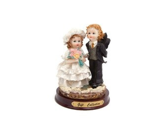 Vintage Child Bride and Groom Resin Figurine Boy and Girl Wedding Statue Capodimonte Children Figure Anniversary