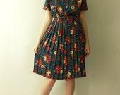 1980's VINTAGE Botanical FLORAL Print Shirtdress / 80s Bloused Button Up Draped Midi Pleated Garden Flower Secretary Dress