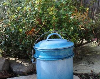 ancien pot de chambre maill bleu enfant pot par. Black Bedroom Furniture Sets. Home Design Ideas