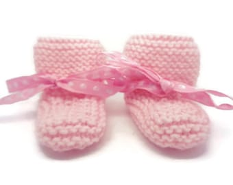 Baby pink bootees, pink pram shoes, knitted bootees, newborn bootees, gift for baby, baby shower gift, knit baby shoes, baby girl shoes