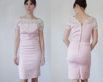 Vtg 50s BABY PINK Sheath Dress with GUIPURE Lace & Bow, Small