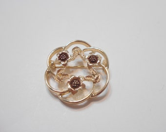Vintage 1975 Strawflower Brooch (0108) Sarah Coventry