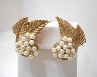 Vintage Celebrity Faux Pearl Clip Earrings (7168)