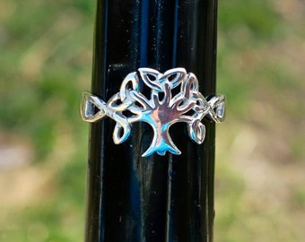 SALE Cool Vintage 925 Sterling Silver Celtic Tree Ring