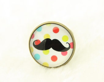 RING Red mustache on a background in weight (2020B)
