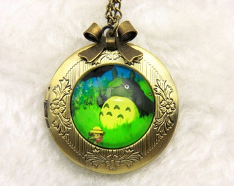 Necklace locket totoro, green 2020m
