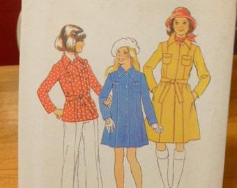 7318 Simplicity Size 12 Breast 30 Girls Pattern Girls Coat in Two Lengths Vintage 1975 Uncut
