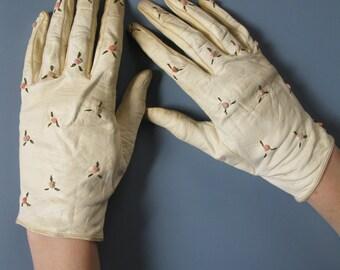 Vintage Cream Kid Gloves Embroidered Leather Ladies Gloves