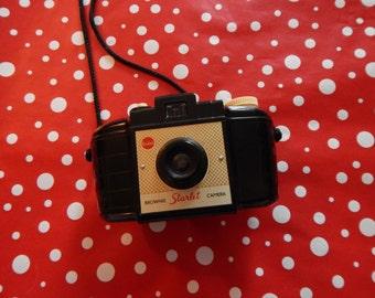 snap to it - Kodak Brownie Starlet Camera, retro 1950s photography, vintage prop