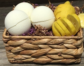 Mother's Day Pampering Gift, Lemon Bath Bomb, Summer Fragrance, Refreshing Lemon Bath Bomb, Gift for HER, Sister in Law Gift