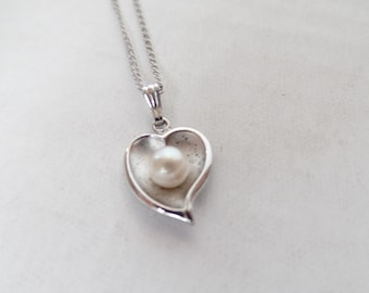 Vintage Sterling Silver & Pearl Heart Pendant Necklace