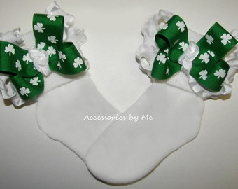 Frilly Shamrock Socks, Baby Ruffle Bow Socks, Green Shamrock Newborn Socks, Girls St Patricks Day Socks, Toddler Irish Wedding Pageant Socks