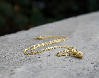 Pineapple Gold Necklace // 16K Gold // Minimal Necklace // Layering Necklace // Trendy Necklace