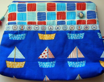 Maritime zipperpouch with sailboats in blue and red//handmade