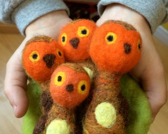 Owls in a nest- Needle felted wool - Natural and ecofriendly