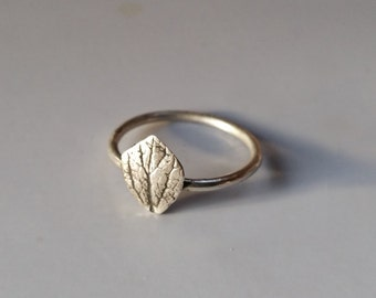 Small Leaf Stacking Ring, Sterling Silver Stack Ring, Size 5.5 Silver Leaf Ring, Boho Stack Ring, Delicate Twin Flower Leaf Jewelry