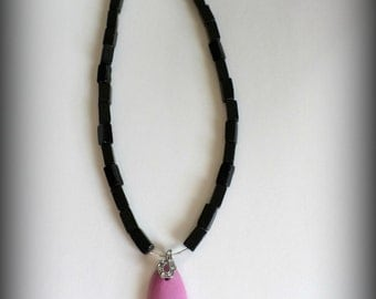 Black with Pink Bold Pendant Necklace. Gifts for her. Beaded Necklace. Gift. Beaded Jewelry. Unique.
