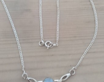 Vintage sterling silver and moonstone necklace