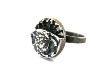 Modernist ring Silver modern ring Silver round ring Oxidized ring Black silver ring Textured ring Size 6 ring Black metal ring Abstract ring