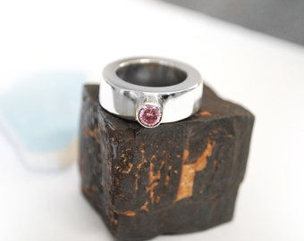 Pink Tourmaline Ring.  Oval Ring with Pink Tourmaline