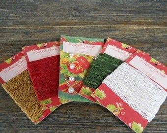 Notions: Christmas Presence 4 Lace Trims Pearl Buttons - Set 5 - April Cornell