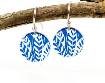 Design print earrings