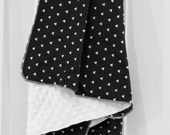 Black & White Baby Blanket | Triangles | Cotton + Minky Fabric