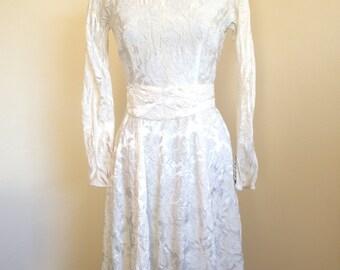 White Brocade 1950s/1960s Vintage Dress
