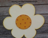 Hand painted Large Daisy with a round center, Honey Brown Marigold, Dots, White, Door Hanger, Spring summer decor, decoration, whimsical