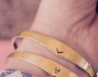 Chevron Bracelet, Arrow Cuff Bracelet, Hand Stamped Bracelet, V CUFF, Arrow Jewelry, Hammered Gold Cuff