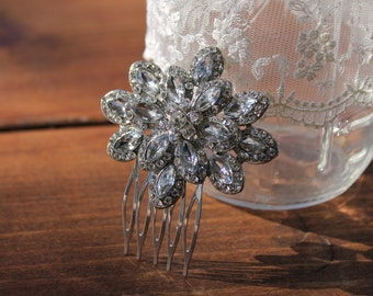 Vintage Style Hair Comb, Bridal Headpiece, Rhinestone Hair Comb, Crystal Hair Comb, Bridal Hair Accessories, Flower Brooch, Flower Hair Comb