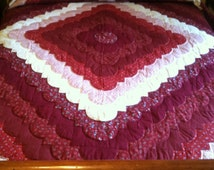 Lancaster County Amish Hand Quilted King Ocean Wave Quilt #371