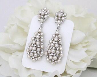 Pearl Wedding earrings, Chandelier Bridal earrings, Crystal Bridal earrings, Wedding jewelry, Bridal jewelry, Long earrings, Vintage style