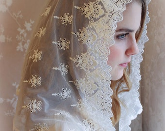 Evintage Veils~ Our Lady Of the Doves Vintage Inspired White Embroidered Lace Chapel Veil Mantilla Classic D