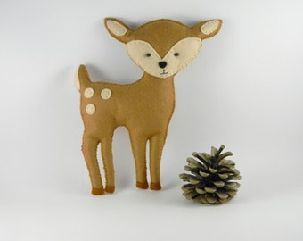 Personalized felt deer toy,  Stuffed deer toy, Plush deer Toy, reindeer nursery , Stuffed toy handmade, woodland nursery decor, Baby Gift