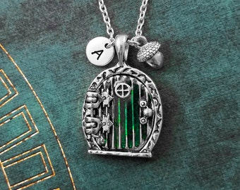Door Necklace Magnetic Fairy Door Necklace Round Door Pendant Acorn Necklace Green Door Locket Fairy Door Jewelry Nerd Jewelry Fantasy Gift
