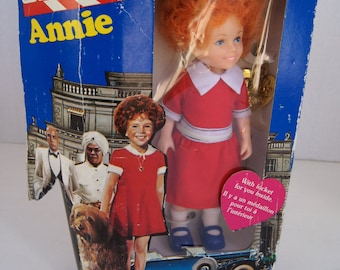 Vintage 1982 French Annie Doll Knickerbocker With Locket - Ganzbros Toys That Love You Back - For Ages 4 and Up - Still in the Original Box