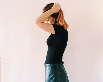 Vintage long skirt in réal leather dark green from the 80s