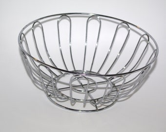 Vintage metal wire basket / Silver fruit basket / Made in USSR / Soviet era / Wire Round Basket /Metal Bowl Flower Shaped Bread Basket /bowl