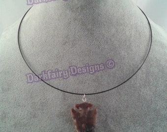 Memory wire necklace with stone arrow